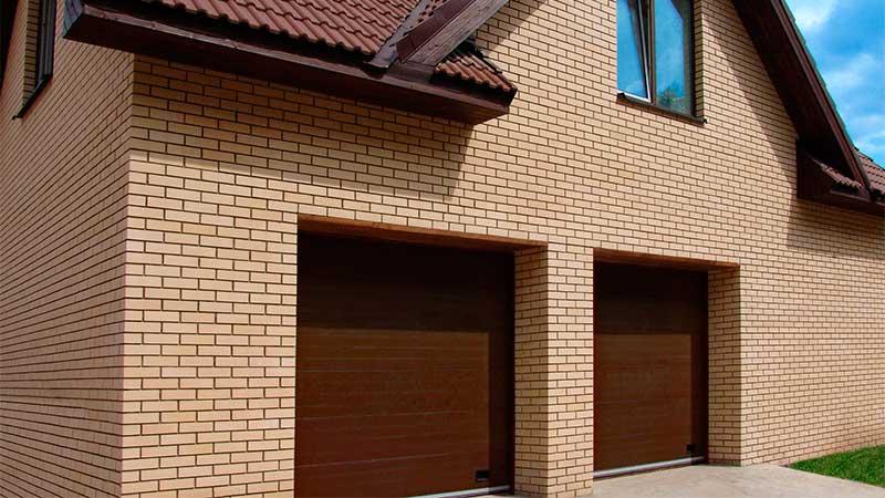 Ворота гаражные в коттедж